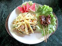Bumi Ayu Bungalows Fried Noodles